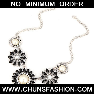 Black Sun Flower Acrylic Necklace